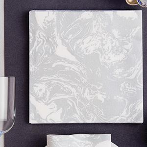 Serviette en intissé soft décor marbre argenté 40 x 40 cm Françoise Paviot F20072MAR